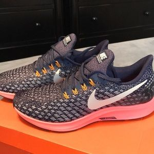 NIKE AIR ZOOM PEGASUS(BRAND NEW)